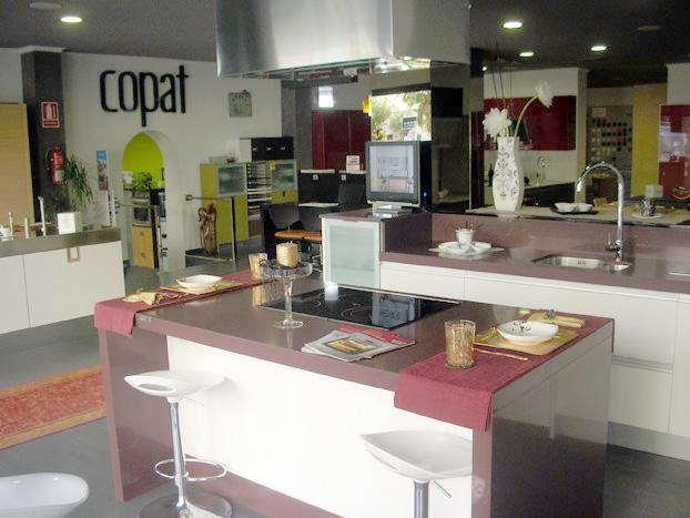 De cocinas cocina modelo luxe with de cocinas reforma for Muebles de cocina lider